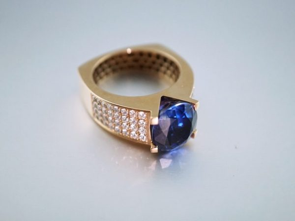 sapphire-ring-st-thomas